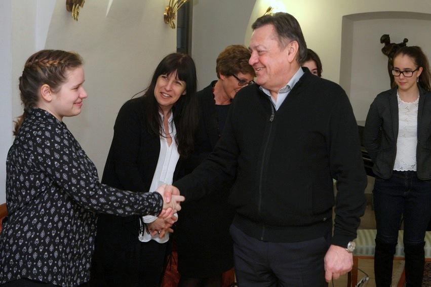 3_sprejem_ucencev_ki_so_se_udelezili_mednarodnega_tekmovanja_nrovan