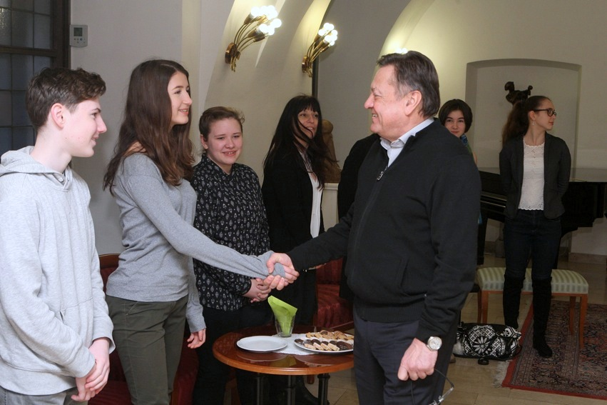 4_sprejem_ucencev_ki_so_se_udelezili_mednarodnega_tekmovanja_nrovan